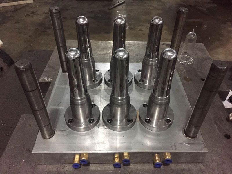 Big-mouth preform mold