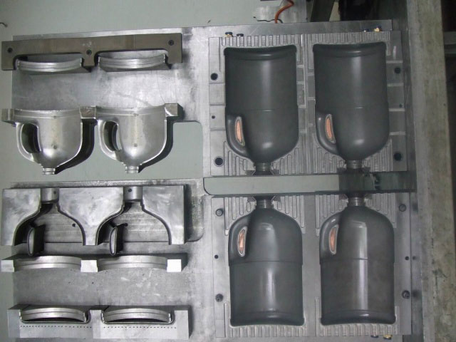 Blowing Container Mold
