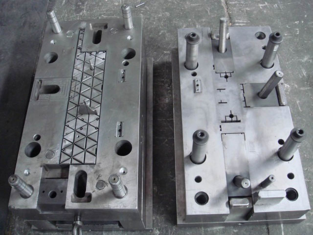 Plastic shelf mold